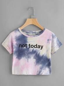Camiseta corta de doblez con estampado de lema de tinte espacial