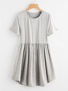 Gesmocktes T-Shirt Kleid mit abgerundetem Saum