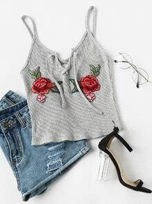 Cami Top mit Rosestickereien Patch ,Schnüren und Knoten