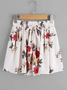 Shorts imprimé fleuri avec une ceinture